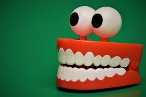 戴上牙套后就用力了吗我来告诉你整牙过程